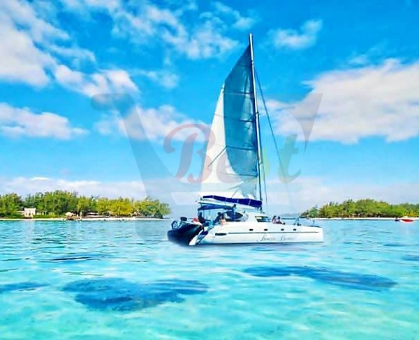 Catamaran Cruise - Ile aux cerfs, Mauritius