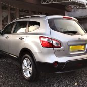 Nissan suv 7sests rs2500