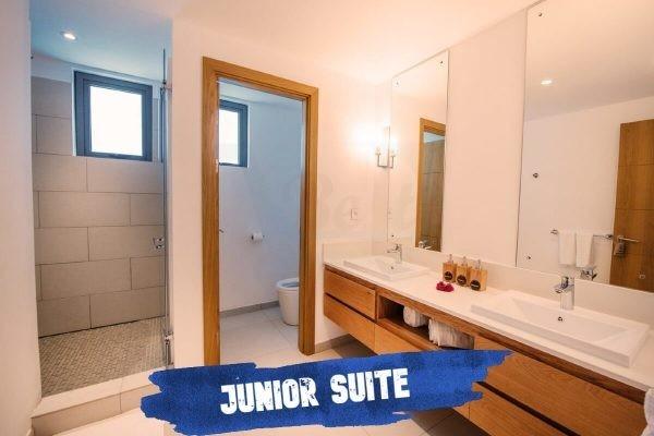 Mythic Suites and Villas bathroom-junior-suite-mythic-suites-villa-grand-gaube