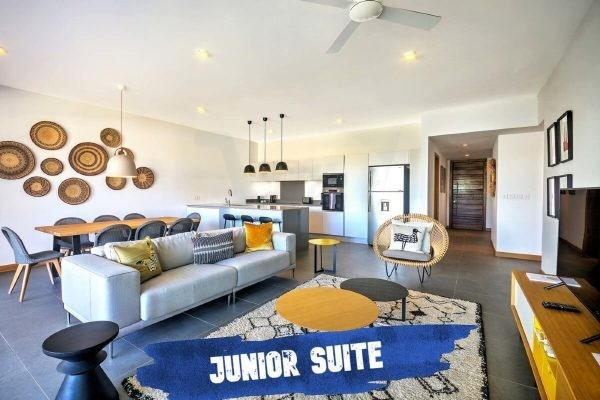 Mythic Suites and Villas salon-suite-junior-mythic-grand-gaube