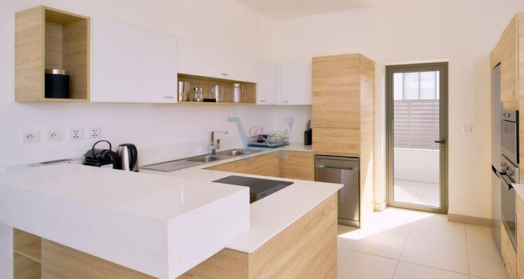 Les Estivales Beachfront Suites & Penthouse by LOV