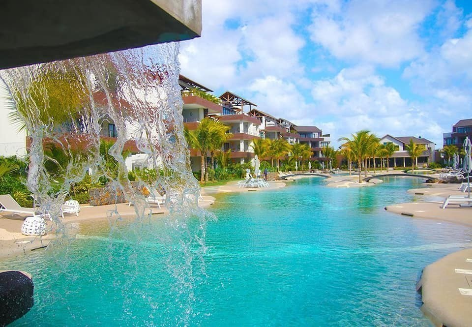 Choisy les Bains day package Best Deals pool