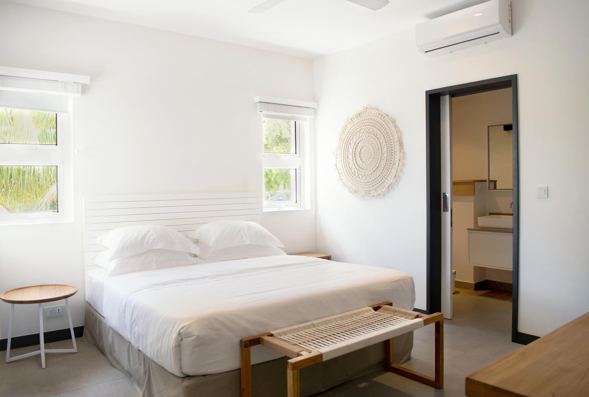 Obiche bedroom