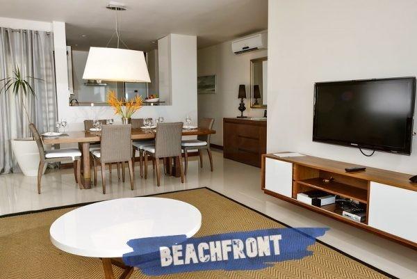 Leora beachfront Apartments Living room
