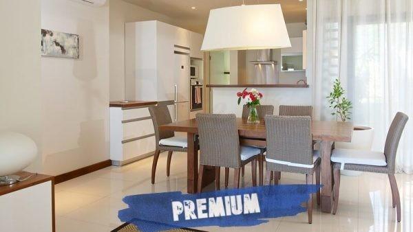 Leora beachfront Apartments Premium living room