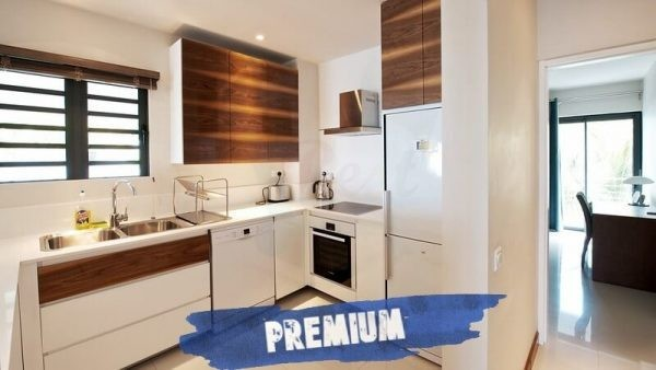 Leora beachfront Premium Apartments Kitchen