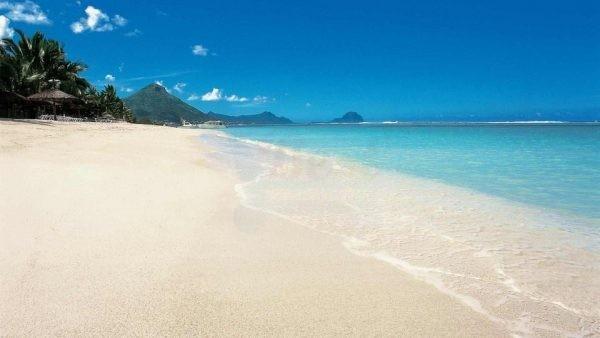 Beach_of_Sugar_Beach_Mauritius