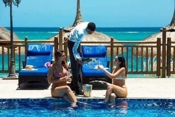 Pearle Beach Hotel Pool
