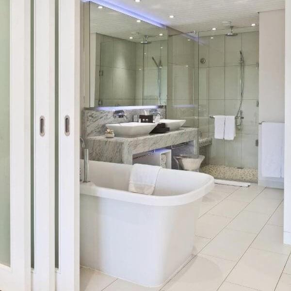 Radisson Blu Azuri Inside Bathroom