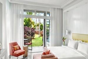 Long Beach Junior Suite Pool Access